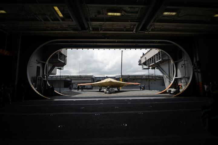Guns and Military Naval aviation is scheduled to change forever Tuesday.   Learn about the first-ever launch of an unmanned aircraft from a modern aircraft carrier: http://ow.ly/kXlqs