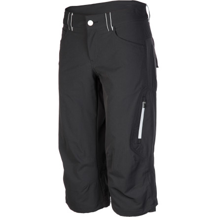 Climbing From summer days at the sport crag to big backcountry trail systems, pull on the European-styled Peak Performance Women's Agile Long Short. The long cut protects your knees from scrapes while still providing the lower-leg cooling of a pair of shorts, and the generous fabric stretch and articulated design ensure freedom of movement. - $99.95