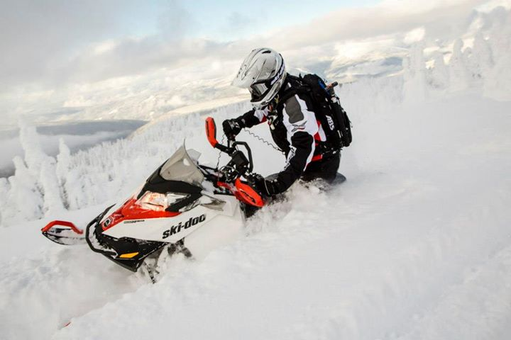 Snowmobile Only a week left to order Spring-exclusive sleds like this Renegade Backcountry X.  Build your 14 sled: http://bit.ly/10FNK7M