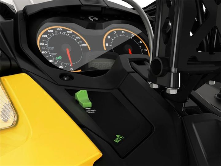Snowmobile ACE 900 Driving Mode button