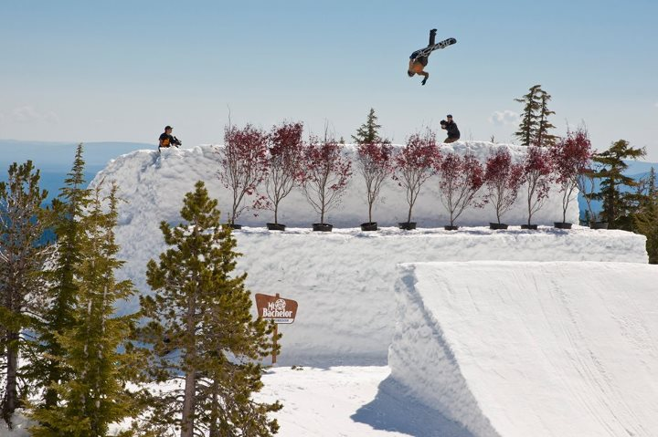 Ski In Case You Missed It Tuesday - Arbor Snowboards rider Scotty Vine did a one-footed double backflip. http://bit.ly/17ZretD   Photo: Mike Yoshida