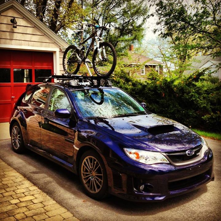 MTB We'd like to thank @jmarineau for tweeting us this sweet photo of the Thule rack he saved 20% on today and had installed for free by our South Portland staff!