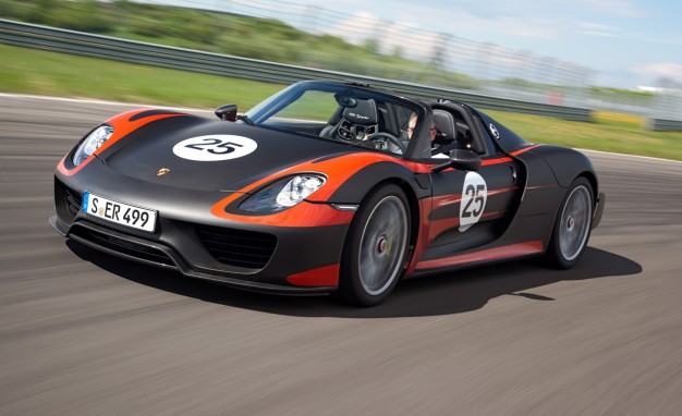 Auto and Cycle 2015 Porsche 918 Spyder Driven: Good, Green Fun.  Article by Don Sherman posted May 14, 2013