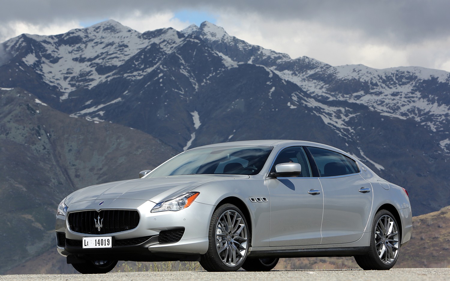 Auto and Cycle What Will the Maserati Quattroporte V-6 AWD Compete With?  Article by Alex Nishimoto posted May 13, 2013