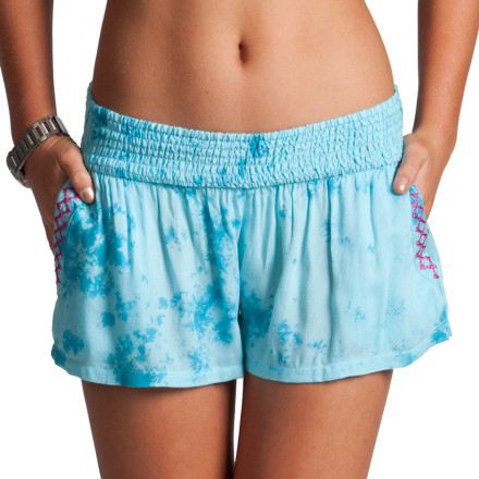 Lounge in comfort on lazy summer days with the Rip Curl Sundancer Women's Short. The super soft rayon fabric and a loose fit provides a breezy, comfortable feel that's perfect for relaxing on hot days. - $39.45