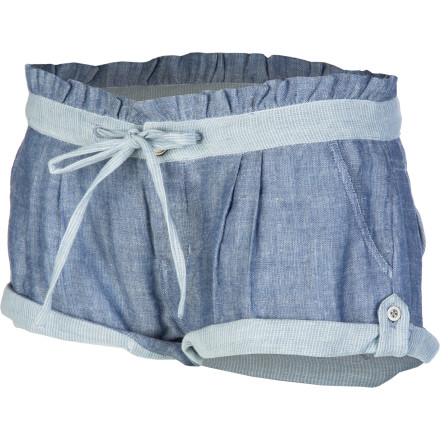 Bask in the glow of summer evening sunsets in the Rip Curl Afterglow Women's Short. Lightweight cotton fabric lets you feel the warm breeze, and the reverse fabric and epaulette details at the hem give it super-cute style that fits in at any casual occasion. - $49.45