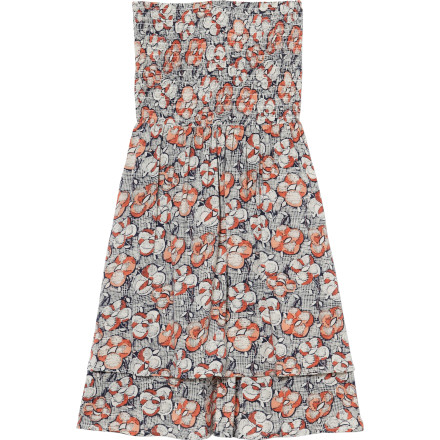 Surf The Quiksilver Juniors Vintage Posy Dress mixes an old-school floral print with a flirty summer cut to give you a look that is great for walks through the park or outdoor concerts. You can even pair it with a dark jacket and heels when those warm summer days turn into sultry summer nights. - $54.50
