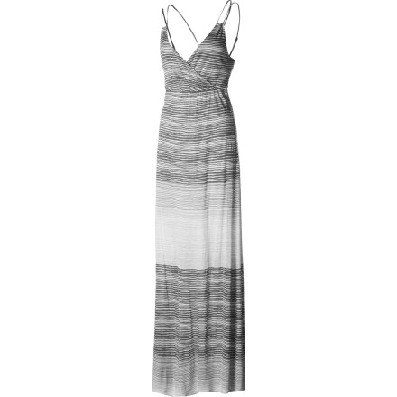 Surf You're a breath of fresh air on a hot, sultry night when you breeze through the room wearing the Quiksilver QSW Heat Wave Maxi Dress. Plenty of bare skin up top and a long, airy skirt draped around your legs is the perfect recipe for beating the heat in style. - $74.00