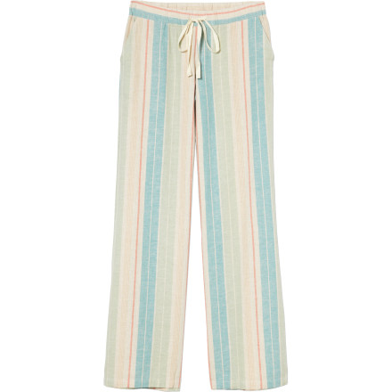Surf The Quiksilver Juniors Women's Long Bay Stripe Beach Pant uses a vintage striped pattern and a breezy linen blend to keep you cool and comfy. Slip this pant over your bikini bottoms for extra coverage between the brunch and the beach or wear them while you lay in your backyard hammock. - $59.50