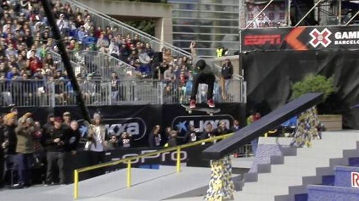 Skateboard Nyjah vs. P-Rod in the XGames Barcelona finals of Street League Skateboarding. Comes down to this trick...