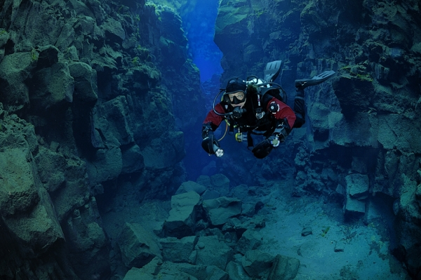 Scuba Fire and Ice: Diving in Iceland.  Article by Eline Feenstra posted May 15, 2013