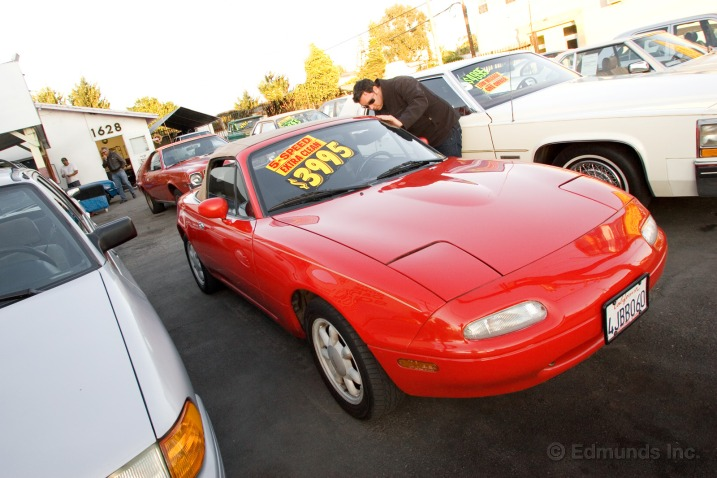 Auto and Cycle How To Set the Right Price To Sell Your Used Car.  Article by Philip Reed