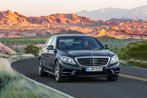 Auto and Cycle 2014 Mercedes-Benz S-Class Debuts.  Article by Andreas Stahl posted May 15, 2013