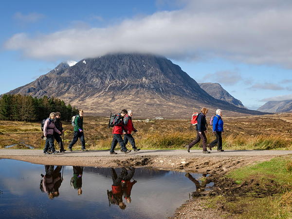 Camp and Hike Hikers on the West Highland Way trail, Scotland