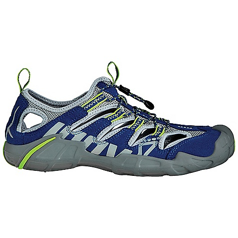 Camp and Hike Free Shipping. Inov 8 Recolite 190 Shoe DECENT FEATURES of the Inov 8 Recolite 190 Shoe Weight: 6.7 oz / 190 g Fit: Anatomic Upper: Synthetic, Nylon Footbed: 6mm Midsole: Injected EVA Shoc-Zone: 3 Differential: 9mm Sole: Recolite Compound: Endurance, Fusion - $89.95