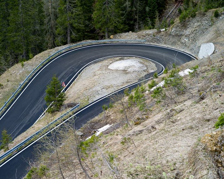 Fitness This might be the most beautiful switchback we've ever seen, from Stage 11 of the Giro. http://bit.ly/12v4kGL
