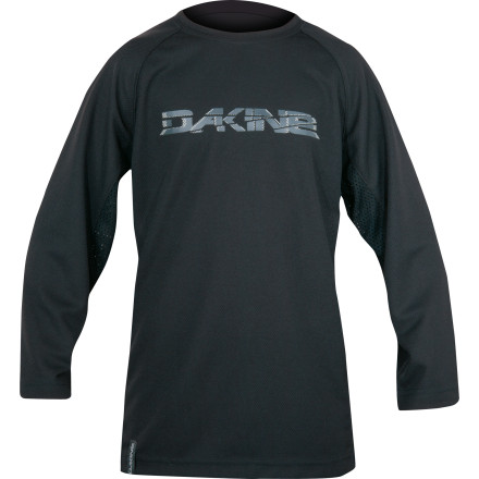 Fitness Dakine designed the Rail 3/4 Sleeve Jersey for hot, summer freeriding. Moisture-wicking fabric and side vents keep you cool so you can hit the trail hard, even in the middle of August. Thanks to the Rail 3/4-sleeve jersey's 220g Quick Dry polyester with Microban antimicrobial technology, you stay dry and comfortable all day, even in mid-summer. Moisture is pulled away from your skin and to the surface of the fabric, where it evaporates quickly. While that's going on, the Microban is knocking out all those nasty little bacteria that give your gear its signature post-ride stink. Along with its soft fabric, the Rail also has mesh side panels for added ventilation. Dakine designed the sleeves to slide easily over elbow pads. The Rail even has a microfiber sunglass wipe at the hem to take care of your goggles. The Dakine Rail 3/4-Sleeve Jersey comes in sizes Small through XX-Large. It's available in the colors Black or Blue. - $29.95