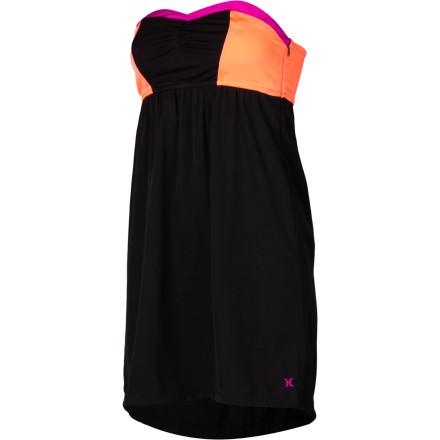 Surf The Hurley Women's Primo Dress shows off your edgy sense of style, flatters your curves, and features a sweetheart neckline for a timeless look. - $44.95