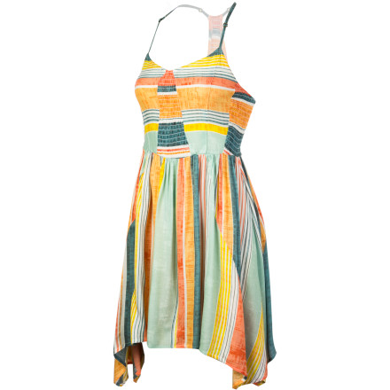 The O'Neill Davy Dress brings a fun, spirited feel to your summer wardrobe thanks to a free-flowing fabric and a structured bodice. Throw this striped smock on when you want a lightweight feel and a bold look that is perfect for sipping icy cocktails on the patio or strolling the beach after sunset. - $45.95