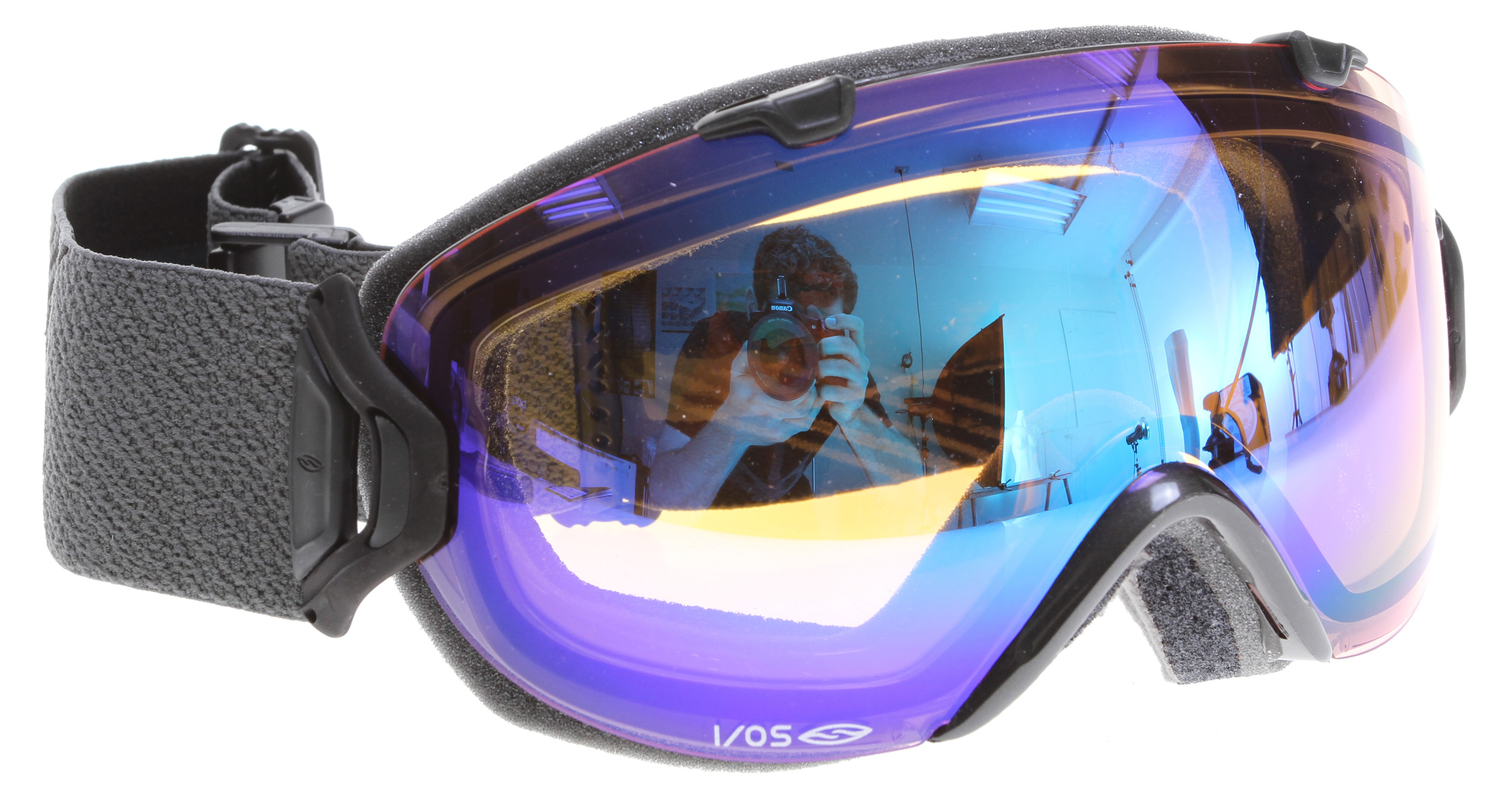 Snowboard Rimless interchangeability designed specifically for smaller faces. the fluid lines and revolutionary outrigger locking mechanism of the i/os key off the successes of the i/o to bring rimless interchangeability to an even broader audience. equipped with smith's revolutionary new 5X Anti-Fog inner lens, the i/os provides anti-fog performance never before seen in a compact goggle. Key Features of the Smith I/Os Snowboard Goggles: Small/Medium Fit Quick Release Lens System Spherical, Carbonic-X Lens with TLT Optics 5X Anti-Fog Inner Lens Patented vaporator Lens Technology with Porex Filter Includes Two Performance Mirror Lenses Ultra-Wide, Silicone Backed Strap QuickFit Strap Adjustment System with Clip Buckle 3-Layer, DriWix Face Foam Helmet Compatible Includes Microfiber Goggle Bag with Replacement Lens Sleeve - $123.95