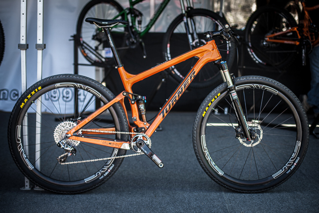 MTB Turner Unveils Carbon Czar.  Article by Vernon Felton