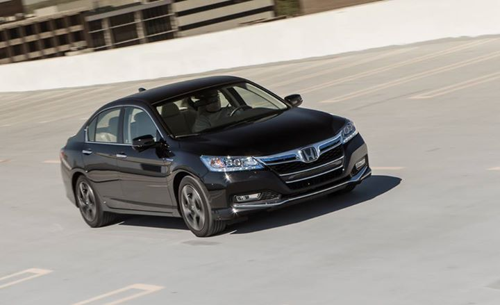 Auto and Cycle The Honda Accord plug-in's EPA-estimated city 47 mpg is welcome in a roomy midsize, but saving gas doesn't come cheap: Full review: http://cardrive.co/6031kzfU