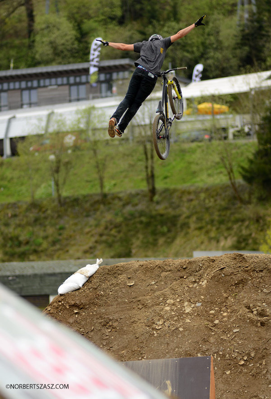 MTB Sam Reynolds dirt jumping in Hungary