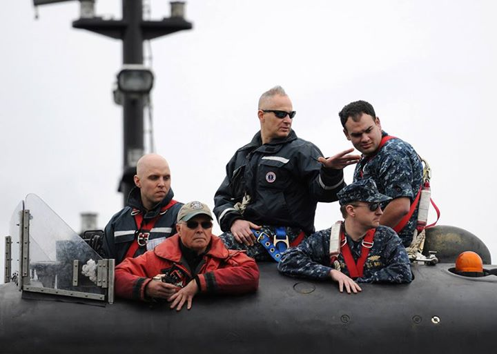 Guns and Military (May 15, 2013) Cmdr. Jeff Farah, Gold Crew commanding officer of the Ohio-class ballistic-missile submarine USS Henry M. Jackson (SSBN 730), speaks to a Sailor on the bridge as the boat moors at Naval Base Kitsap-Bangor following a strategic deterrent pat