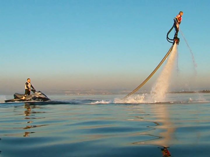 Wake Here's to the weekend!  Water Jet Pack, anybody?  Over 6 million views...