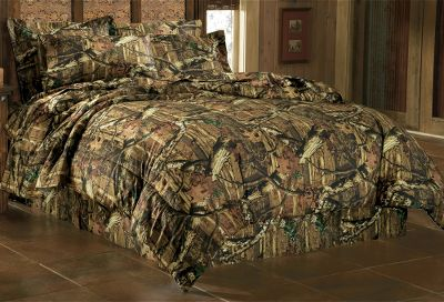 Hunting The natural contrast found in the woods comes to life in this bedding set. Get lost in the details of this realistic camo pattern.E-Z Bed Set includes sheets, pillowcases, comforter, bedskirt, two toss pillows and two shams (Twin includes one toss pillow and one sham). 100% cotton face with ployester fill. Cabelas exclusive.Available:King (110 x 90)Queen (92 x 96)Full (80 x 90)Twin (68 x 90)Camo pattern: Mossy Oak Break-Up Infinity. Type: Camo Bedding. Size Twin. - $67.88