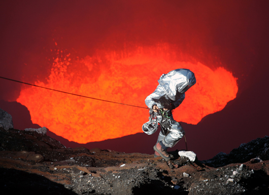 Extreme Descending Into an Active Volcano