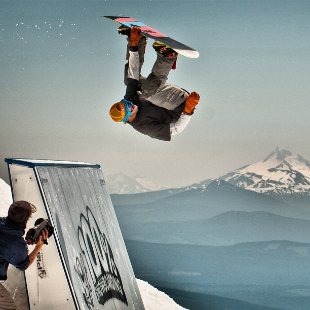 Snowboard Countdown to Session 1 at @highcascade // Are you ready? 100%#snowboarding