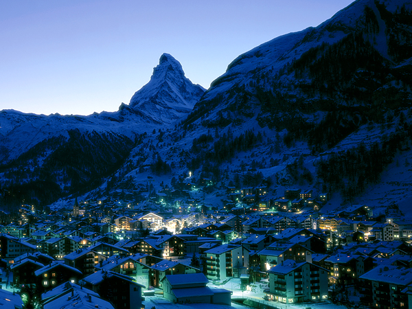 Ski To many, Zermatt is the world's ultimate ski resort.  If you can afford, stay at the Mont Cervin Palace, an old, classic, five-star hotel.