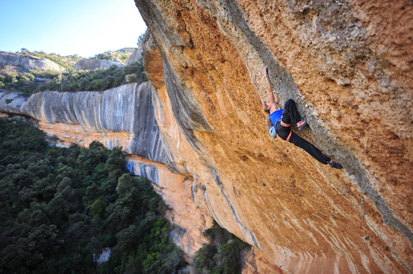 Climbing 19-year old Sasha DiGiullan climbing Era Bella in Margalef, Spain