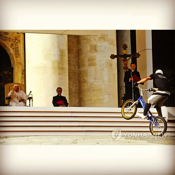 BMX Hitcase welcomes @jonathanrossi to the team! Just performing for the Holy Pope, no big deal #ride #hitcase #bmx