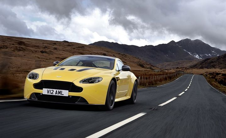 Auto and Cycle The 2014 Aston Martin V12 Vantage S closely follows the brand's recipe for success: Just add power. http://cardrive.co/6036krYK