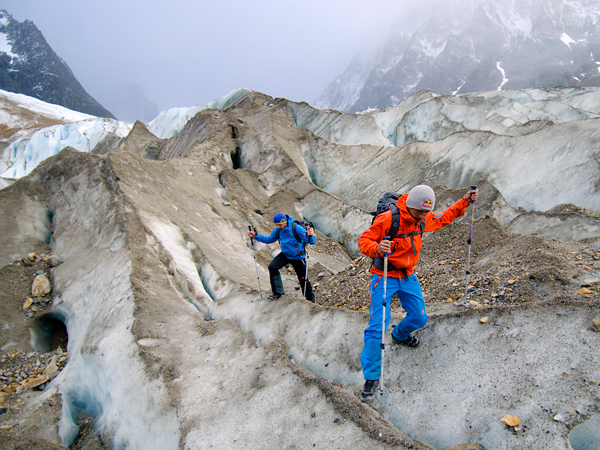 Climbing Picture of David Lama and Peter Ortner approaching Nipo Nino, El Chalten, Argentina