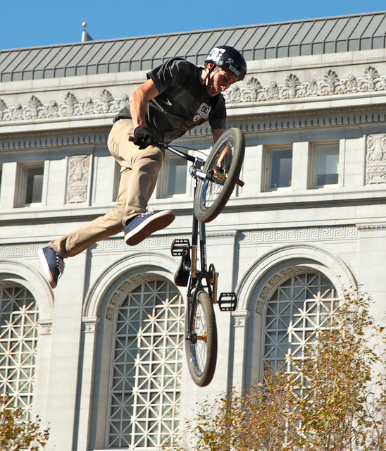 BMX side whipping -- dew tour