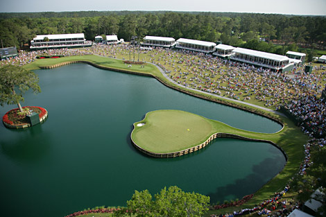 Golf 17th at Sawgrass.