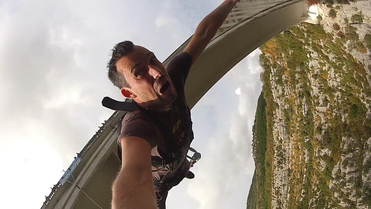 Extreme Nice Bungee jumping shot with my Hero 2 !