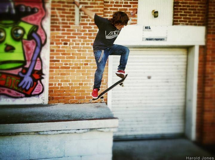 Skateboard Charles Keen Jr.