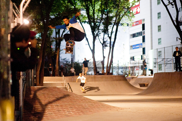 "Skateboard T19 SKATEBOARDS PRESENTS ""Saturday Skate"" Shibuya Miyashita Park"