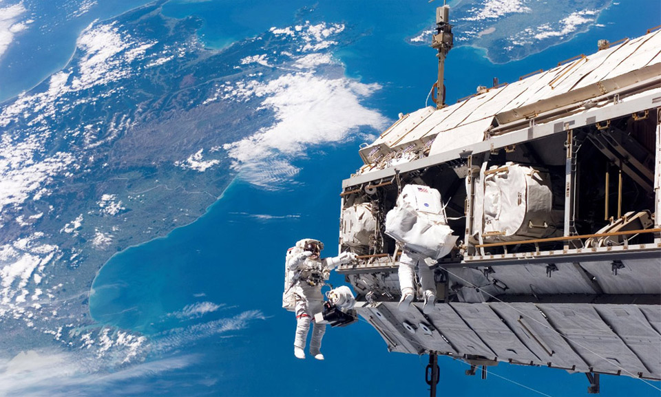 Entertainment meanwhile, high above new zealand