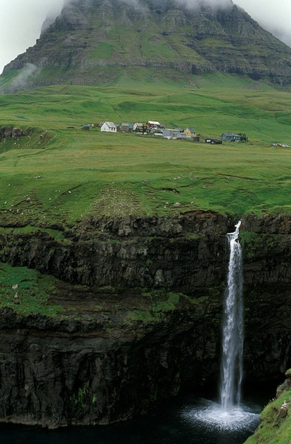 Camp and Hike faroe island