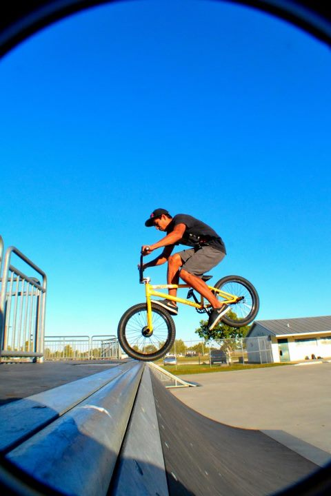 BMX DARREN FOOT JAM TO FAKIE