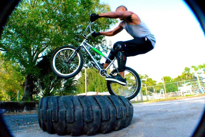 BMX Gee abubaca on this tire