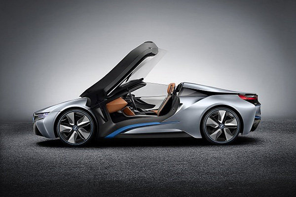 Auto and Cycle The 2015 BMW i8 is the German manufacturer's first plug-in hybrid