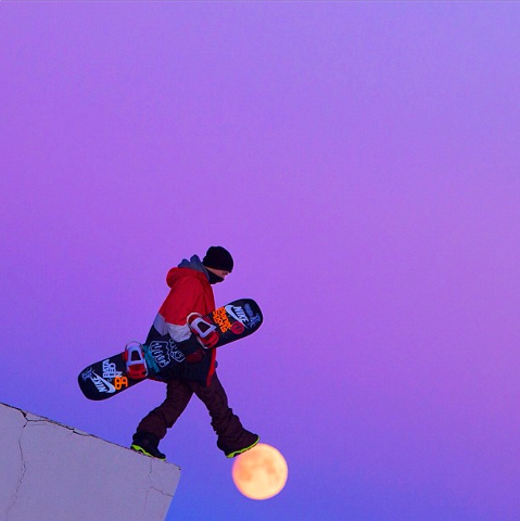 Snowboard Cool Photo!  Walking On A Dream...