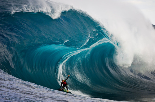 Surf Ryan Hipwood ~ Big Blue