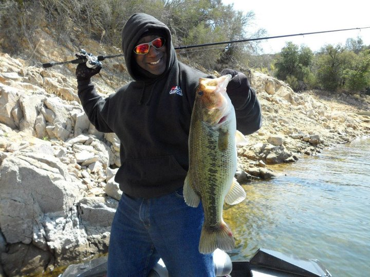 "Fishing David King with a great picture and a fantastic report!      This bass was caught on April 6th, 2012.   ROD: 7' AbuGarcia Vengeance rod (MH) REEL: Revo STX 7.1 gear ratio RIG: Dropshotting LURE: 7"" Oxblood Roboworm LINE: 12lb test Seaguar Fluoro LOCATION:"